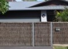 Kwikfynd Thatched fencing actontas